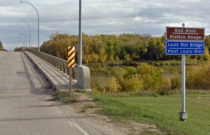 Louis Riel Bridge