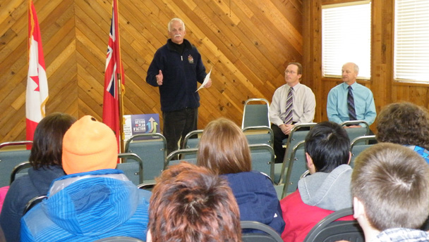 Vic Toews announces support for Kleefeld Park